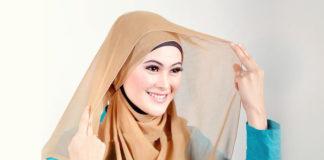Cara-memakai-jilbab-segi-empat-sederhana-1