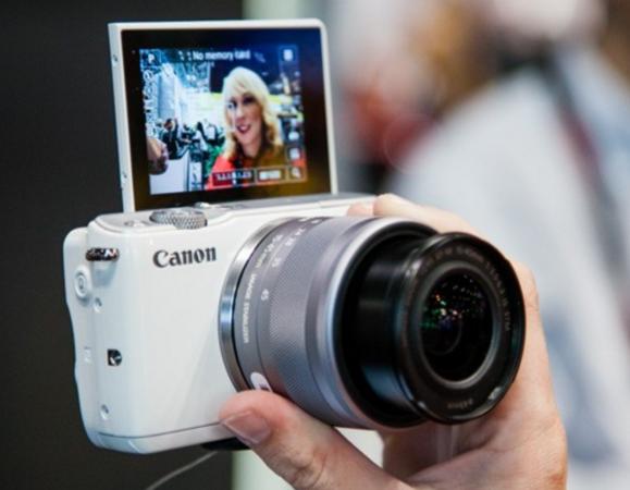 Kamera mirrorless Canon EOS M10 untuk pemula