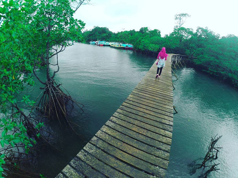 Pantai Kondang Buntung, Pantai di Malang