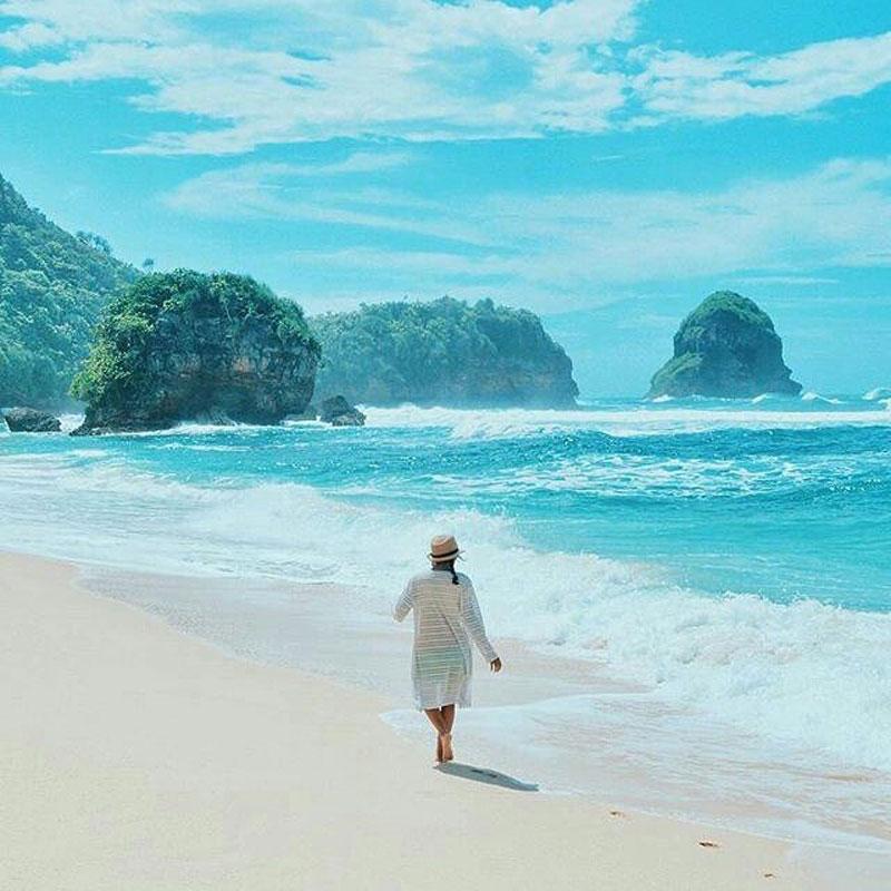 Pantai Watu Leter, Pantai di Malang