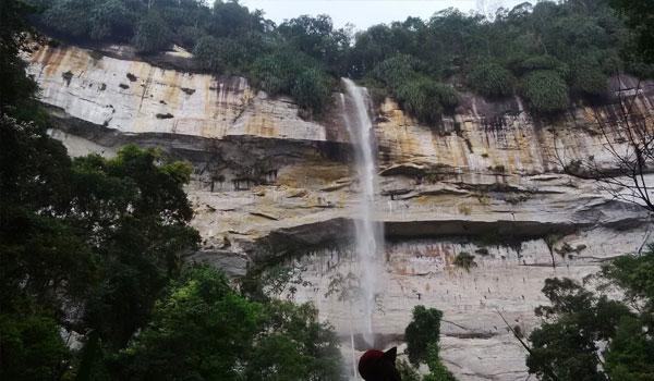 air terjun batang kapas - Tempat Wisata di Pekanbaru yang Tidak Boleh Dilewatkan
